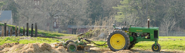Spring Tractor Credit Jerry Hiam PutneyPics
